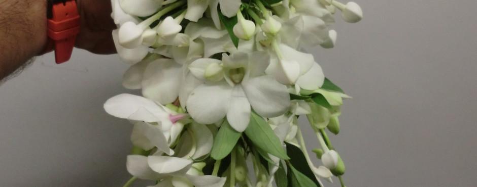 Bouquet ricadente con Bovardia